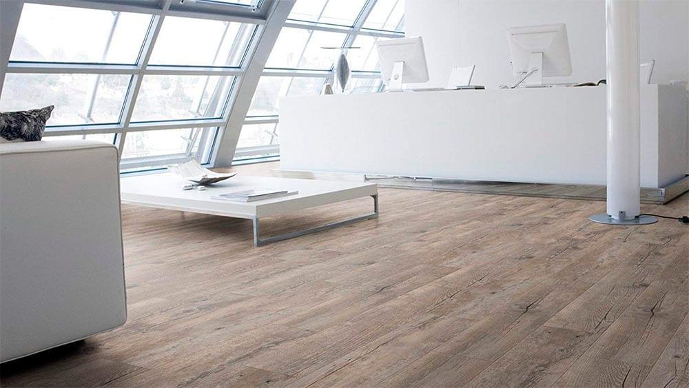 elegante oficina con piso gerflor creation 55 clic