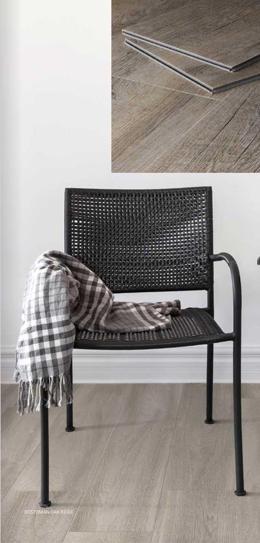 silla sobre piso residencial